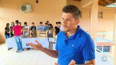 Estudantes do Norte do RS são desafiados a criar projetos inovadores para agricultura - Os adolescentes usaram a tecnologia para oferecer soluções para o meio rural.