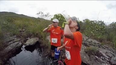 Repórteres enfrentam o desafio de 50km no Ultra Trail na Chapada Diamantina - Carol Barcellos e Clayton Conservani enfrentam subidas, escaladas, rios, dores no corpo, sede, fome nos 50km do Ultra Trail na Chapada Diamantina.