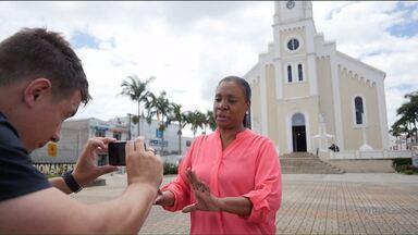 O que você espera para o futuro do Brasil? Grave um vídeo e mande pra gente! - A Dulcinéia Novaes mostra o que fazer para que seu vídeo represente a sua cidade.