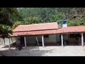 Cinco pessoas da mesma família são mortas a tiros em chacina em Itaipé - Crime foi na zona rural da cidade do Vale do Mucuri; criança, de sete anos, está entre as vítimas; um homem foi preso, suspeito de ser o autor dos assassinatos.