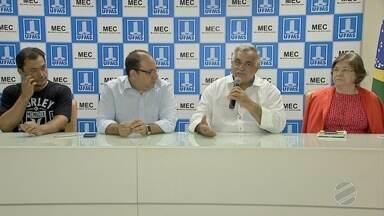 UFMS e FFMS assinam convênio para realizarem adequações do Morenão - Estádio em Campo Grande é o principal local de jogos do Campeonato Estadual que vai começar a dois dias.