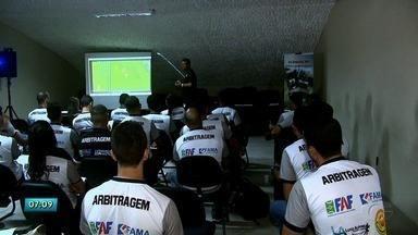 Árbitros se preparam para o Alagoano - Eles estão passando por uma capacitação para aprimorar ainda mais os conhecimentos.