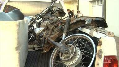 Polícia Militar recupera motocicleta suspeita de roubo em Santa Inês - Emerson Silva de 18 anos acabou preso no local e duas adolescentes, uma delas grávida, foram apreendidas.