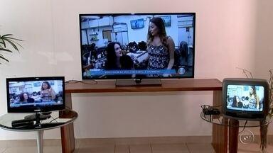 Moradores do Centro-Oeste Paulista se preparam para desligamento do sinal analógico - Os moradores de Torrinha e Santa Maria da Serra já estão preparados para o desligamento do sinal analógico de TV, que será desligado na madrugada de hoje.