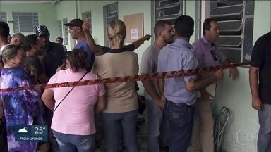 Secretaria municipal de Saúde de Mairiporã confirma mais uma morte por febre amarela - A cidade decretou situação de calamidade na saúde e suspendeu a vacinação para moradores de outros municípios. Teve confusão nos postos.