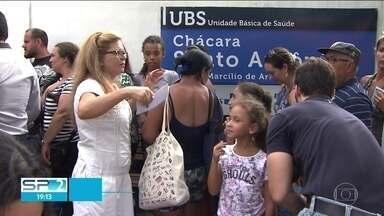 SP2 - Edição de quarta-feira, 17/01/2018 - Filas para a vacina contra febre amarela continuam dobrando quarteirões na capital. Movimento Passe Livre faz manifestação contra o aumento da tarifa de transporte.