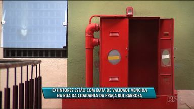 Extintores estão vencidos na Rua da Cidadania da Praça Rui Barbosa - Problema se arrasta há alguns meses e coloca em risco a segurança das pessoas