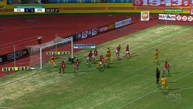 Confira os destaques do Globo Esporte - Após abrir o placar para o Iporá, atacante perde gol inacreditável.