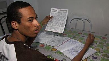 Estudante de Goiânia não tirou nota mil na redação do Enem, diz Inep - Segundo instituto, material com nota máxima não corresponde ao que é divulgado pelo órgão. Aluno nega que nota tenha sido modificada.