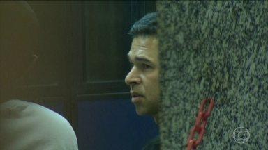 Motorista que causou atropelamento no Rio omitiu do Detran que tinha epilepsia - O documento - a que a TV Globo teve acesso com exclusividade - mostra ainda que as respostas sobre remédios e tratamentos de saúde estão rasuradas.