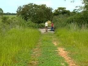Produtores rurais reclamam de condições de estrada - Trecho fica entre Emilianópolis e Santo Expedito.
