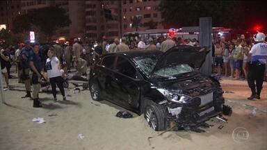 Atropelamento em Copacabana deixa bebê morto e turista em estado grave - Bebê de 8 meses morreu e 17 pessoas ficaram feridas. Oito ainda estão internadas. Calçadão estava lotado quando carro invadiu espaço.
