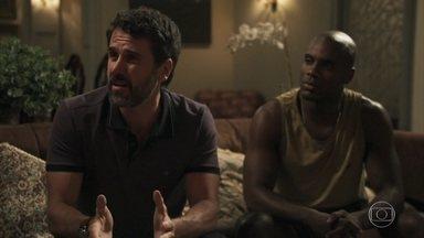Samuel pede que todos em sua casa convivam em harmonia - Susy fica chocada ao saber que Cido está morando na casa de Adinéia. O psiquiatra exige respeito de todos