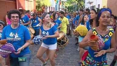 Clima de carnaval já toma conta das ladeiras de Olinda - Prévias do fim de semana arrastam multidão
