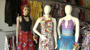 Comércio aquece as vendas para o carnaval em Santa Inês - Ainda faltam três semanas para o carnaval, mas na cidade o comércio já começa a sentir o aquecimento nas vendas de produtos vão usar nas ruas e bailes.