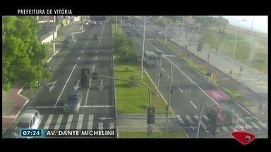 Confira imagens do trânsito na Grande Vitória nesta sexta-feira (26) - Câmeras mostram as principais vias da região.