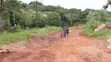 Rua em situação precária passa por melhorias em Ponta Porã - O local foi nivelado. A rua Aeroporto da Pampulha também passou por obras.