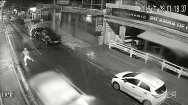 Falta de sinalização e alta velocidade tornam perigosa a Avenida Litorânea, em São Luís - Na madrugada deste domingo (28), um turista do Rio Grande do Sul morreu atropelado na Avenida.