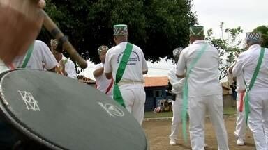Dança Moçambique - Você conhece a dança Moçambique? O Marcão te mostra esse tradicional ritmo de Piraju.