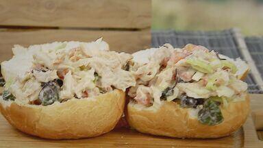 Kassab ensina receita de sanduíche de frango - Confira os ingredientes e o modo de preparo.