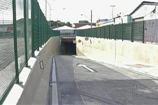 """A partir deste sábado (3) motoristas de Mogi ganham târnsito livre com entrega do 2º túnel - Está abeto o túnel do Complexo Viário """"Jornalista Tirreno da San Biagio."""