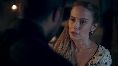 Diana finge para Virgílio que se sente mal - Diana diz que não quer mais sair