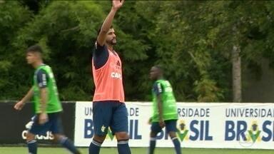 Carpegiani confirma estreia de Dourado pelo Flamengo na semifinal contra o Botafogo - Carpegiani confirma estreia de Dourado pelo Flamengo na semifinal contra o Botafogo