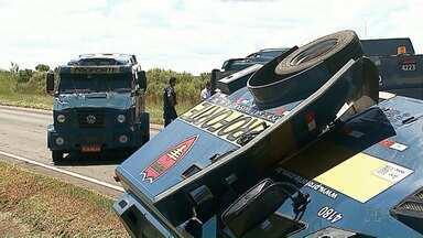 Seguem internadas em Ponta Grossa duas vítimas de assalto a carros-fortes - Uma das vítimas é um vereador que ia com outros parlamentares para Curitiba