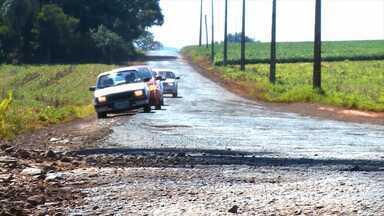 Problemas na VRS-337, compromete o escoamento de grãos - A falta de conservação da rodovia coloca em perigo motoristas e caminhoneiros.