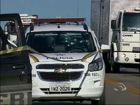 Perseguição policial deixa dois assaltantes mortos em Passo Fundo, RS - Criminosos haviam assaltado um casal e fugiam em uma caminhonete roubada