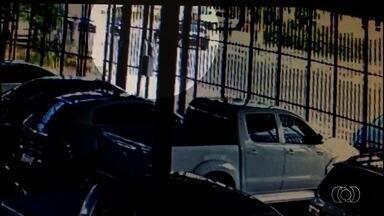 Médico nega ter agredido mulheres no trânsito, em Goiânia - Ele prestou depoimento nesta quinta-feira. Delegado deve ouvir mais três testemunhas sobre o caso.