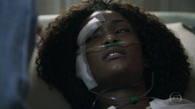 Raquel se desespera por não sentir as pernas - Bruno conversa com Renato e o médico diz que o delegado precisa ser forte