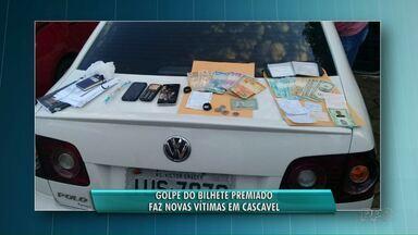 Golpe do bilhete premiado faz mais uma vítima em Cascavel - Vítima é uma mulher de 64 anos. Dois homens foram presos suspeito de aplicar a golpe.