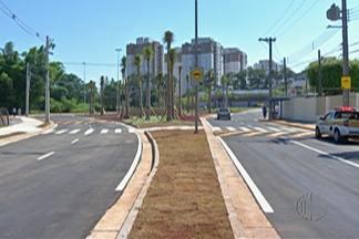 Trânsito de avenida de César de Sousa, em Mogi, é liberado após conclusão de rotatória - Avenida Dante Jordão Stoppa foi liberada ao trânsito após três meses de interdição.