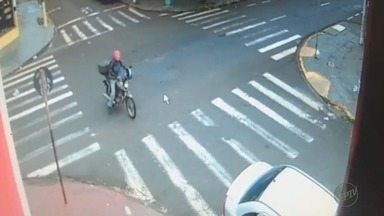Furto de moto ocorre ao lado de base da PM nos Campos Elíseos em Ribeirão Preto - Ladrão não conseguiu levar a moto por falta de combustível.