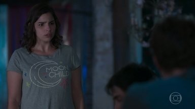 Gabriel pede a ajuda de Keyla para cuidar de Felipe - Roney fica chocado ao ver o estado dos meninos