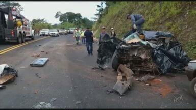 Batida de frente mata motorista de caminhonete na MG-050 - Batida de frente mata motorista de caminhonete na MG-050