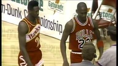 Duelo histórico de Michael Jordan e Dominique Wilkins no All-Star Game completa 30 anos - Competição de enterradas foi decidida com o voo e a cesta perfeita do ídolo do Chicago Bulls.