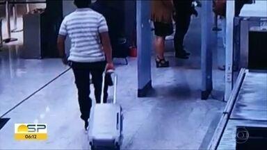 Nove pessoas são presas por tráfico de drogas no Aeroporto Internacional de Guarulhos - PF diz que suspeitos tentaram embarcar com mais de 70 kg de drogas durante o carnaval. Desde o começo do ano, 32 pessoas foram presas com drogas em Cumbica.