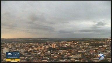 Confira a previsão do tempo para quinta-feira (15) em Ribeirão Preto - Pancadas de chuva não estão descartadas durante a tarde.