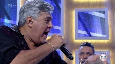 Sidney Magal canta 'Sandra Rosa Madalena' - Cantor abre o 'Encontro' em grande estilo