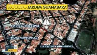 Obras na galeria de água bloqueia trecho de via no Jardim Guanabara, em Campinas - Interdição na Rua Engenheiro Cândido Gomide funcionará das 8h30 às 12h. Motoristas devem evitar o trecho.