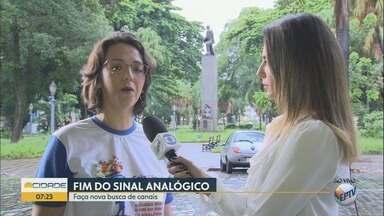 Sinal analógico de TV será desligado nesta quarta-feira (21) na região de Ribeirão Preto - Equipe do 'Seja Digital' orienta moradores sobre a instalação do conversor digital.