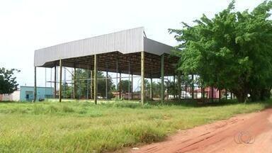 Falta de manutenção em praça e quadra de esportes gera insatisfação em Araguaína - Falta de manutenção em praça e quadra de esportes gera insatisfação em Araguaína