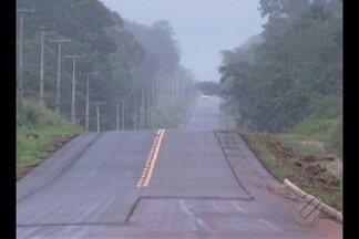 Moradores reclamam sobre a falta de sinalização na PA-242 - A pavimentação da rodovia PA-242 diminui o tempo de viagem entre municípios do nordeste do estado.