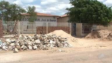 Aulas em escola de Juazeiro são adiadas após obra em prédio do colégio - Secretária de educação da cidade informou que a obra será entregue em duas semanas.