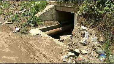 Toritama enfrenta problemas com alagamentos durante período de chuvas - Situação precária contribuiu com morte de menino de 10 anos após cair em bueiro