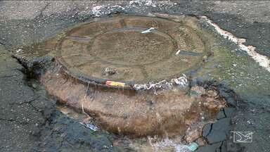Desperdício de água é registrado em rua de São Luís - Caso foi registrado no Centro de São Luís.