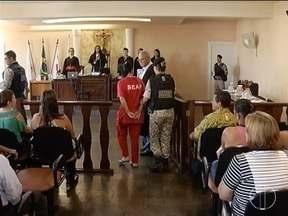 Mulher é condenada a 25 anos de prisão por homicídio e tortura da filha em Bocaiuv - Criança, de sete anos, foi encontrada morta em outubro de 2016 dentro de uma casa no Bairro Pernambuco; Jennifer Michelle Fonseca teve prisão domiciliar negada.