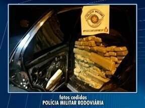 Polícia Militar Rodoviária apreende mais de 800 quilos de maconha - Comboio de veículos foi abordado em Presidente Venceslau.